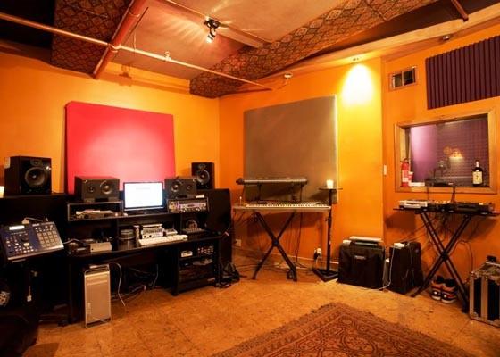 dj home studio